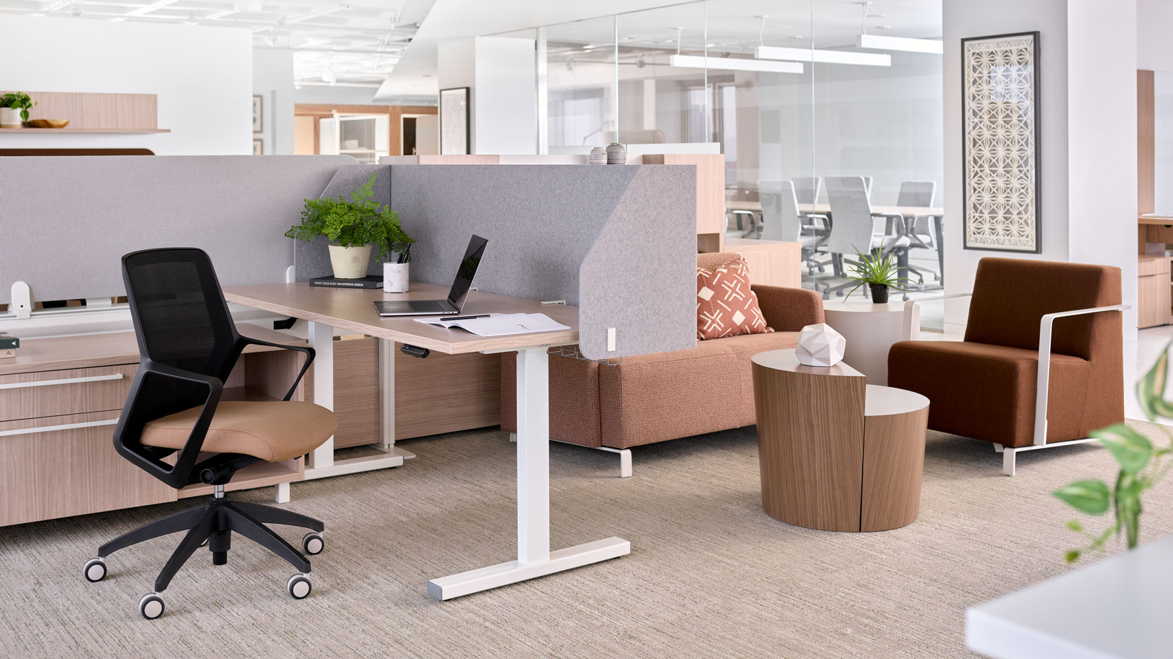 New York City showroom featuring workstation and small lounge area