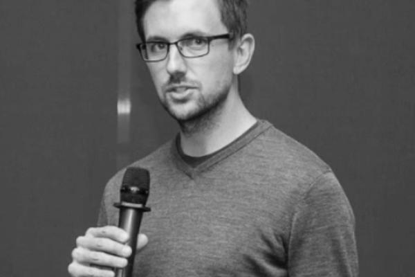 Stephen Searer (officesnapshots.com): The story behind one of design's most beloved websites.
