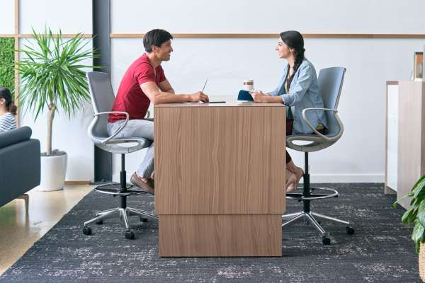 Hightop table with mobile stools