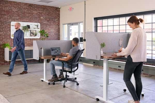 Flexible workstations at Current Blend
